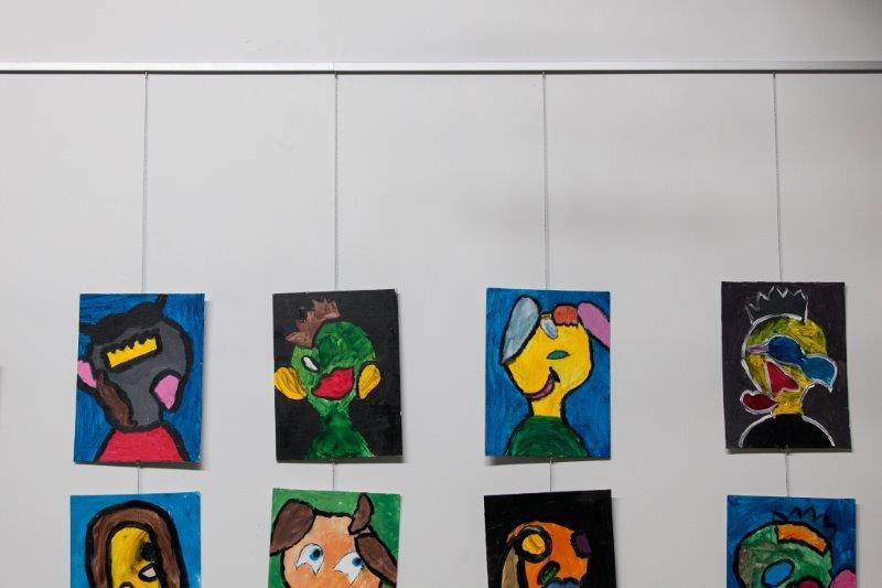 057-Hang it Up Art Gallery